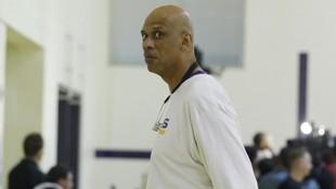 Kareem Abdul-Jabbar, en su época como entrenador de desarrollo de...