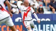 Isi Palazón (26) durante un partido con el Rayo Vallecano.