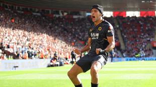 Raúl Jiménez le dio el triunfo a los Wolves sobre el Southampton en...