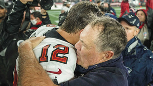 Tom Brady and Bill Belichick share short hug after Patriots vs Bucs