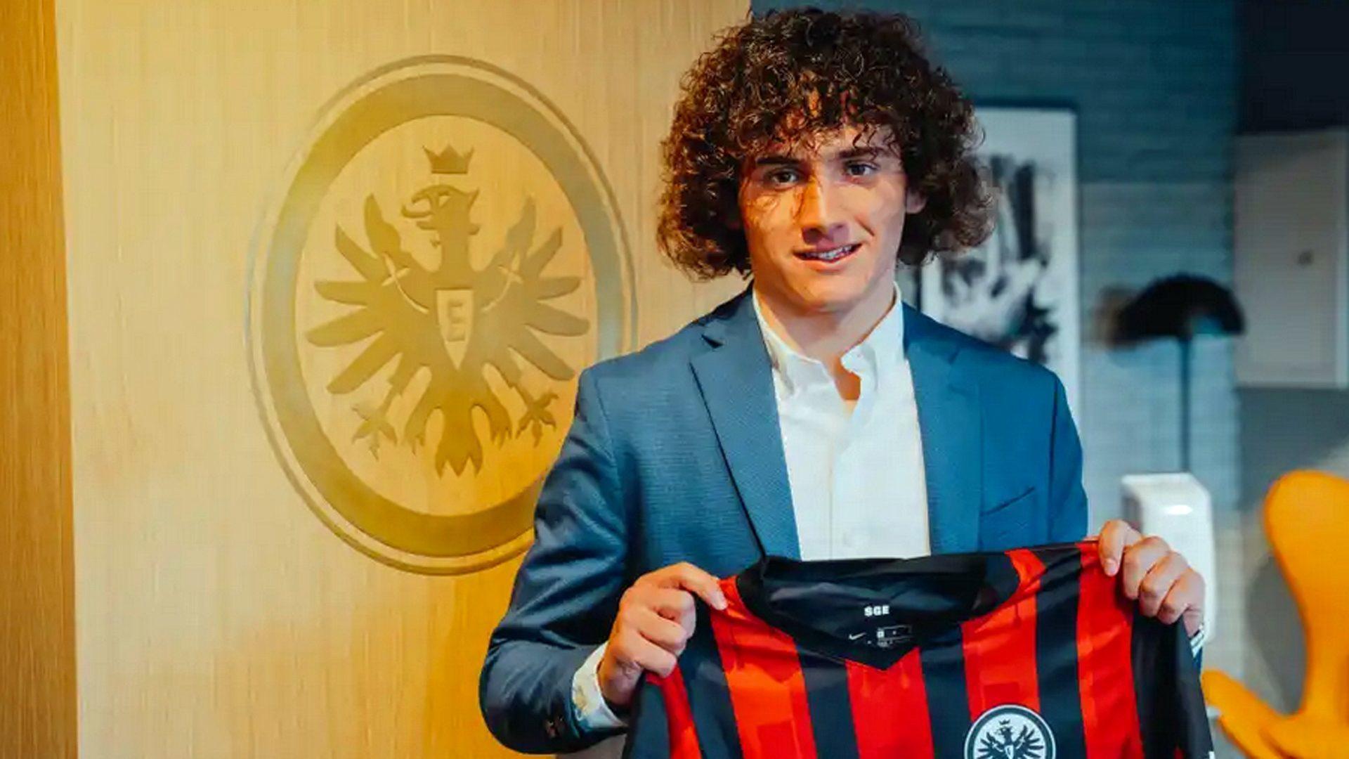 Fabio Blanco, en su presentación con el Eintracht de Frankfurt