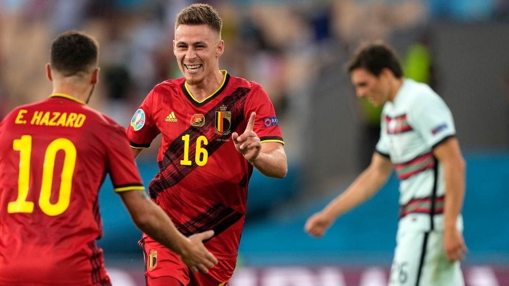 Los hermanos Hazard celebrando un gol ante Portugal en la Eurocopa de este verano.