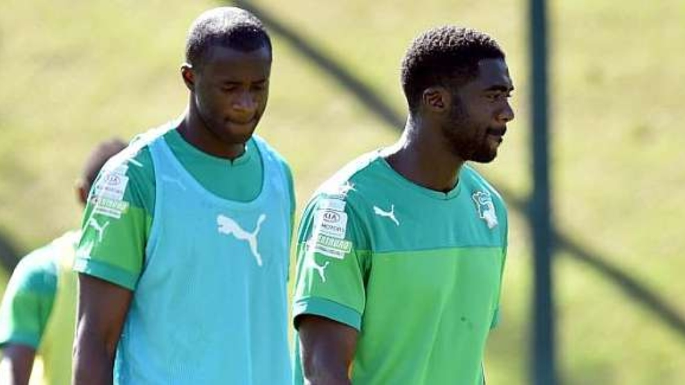 Los hermanos Touré en una entrenamiento con Costa de Marfil.
