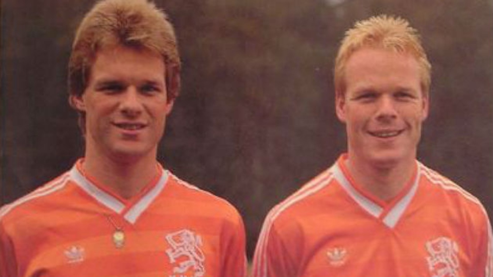los hermanos Koeman con la selección de Países Bajos.
