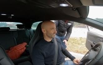 ¿Sabes realmente cómo te tienes que colocar en el coche?