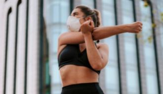 Correr con mascarilla, ¿sí o no? Claves para practicar deporte en la desescalada