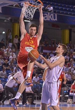 Alex Suárez en una acción del Europeo   Foto: FIBA Europe