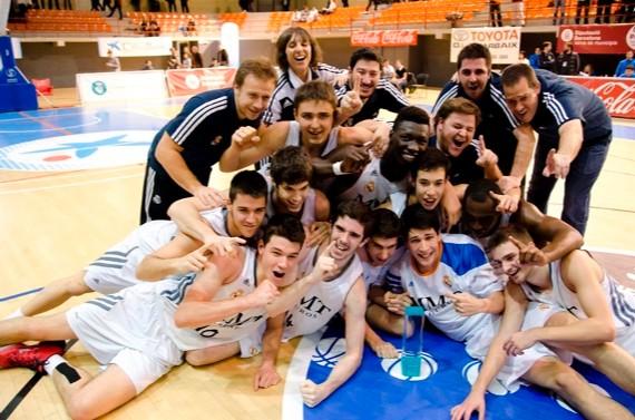 El Real Madrid logró alzarse con el NIJT ocho años después. | Foto: Euroliga