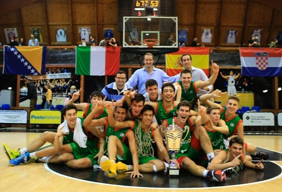 El Cajasol celebra su NIJT 2014. | Foto: Euroleague