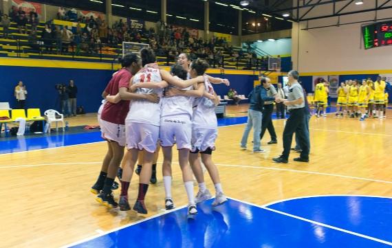 Beroil Ciudad de Burgos celebró su clasificación frente a Gran Canaria 2014.   Oli Martín