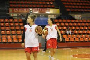 Berta Chumillas junto a Belén Arrojo en un entrenamiento.   Sergio González Pulgar