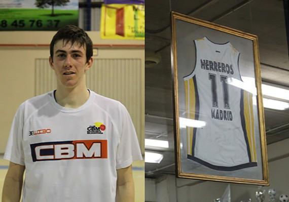 Alex Herreros y la camiseta de homenaje a su padre. | Foto: FBM