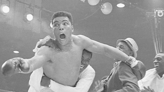 Duelos de Leyenda  Capítulo 2: Muhammad Ali vs  Joe Frazier