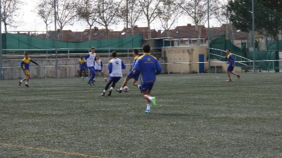 Jugadores del equipo de Tercera del Alcorcón en pleno entrenamiento: Isabel Arroyo.