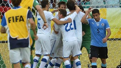 Uruguay 2(2)-2(3) Italia