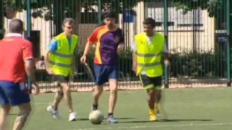 Pablo Iglesias Desempolva Las Botas De Futbol En La Jornada De