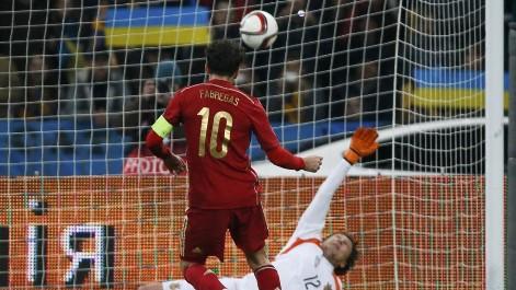 Cesc se hace centenario con la Selección Espańola