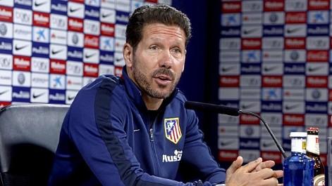 Simeone: A Torres lo valoro como futbolista, no como �dolo del club