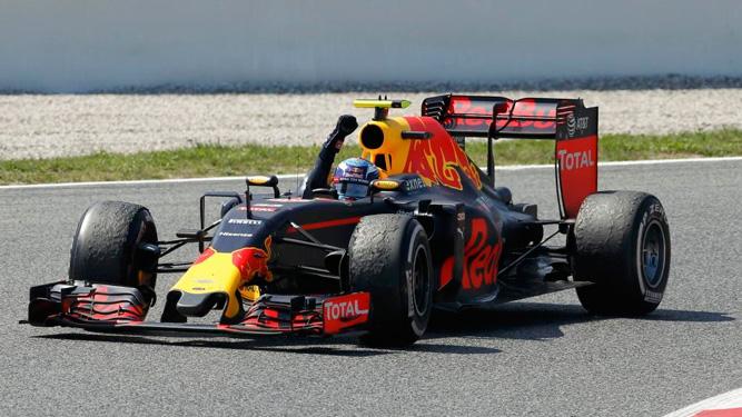 Max Verstappen celebra una victoria en el Red Bull