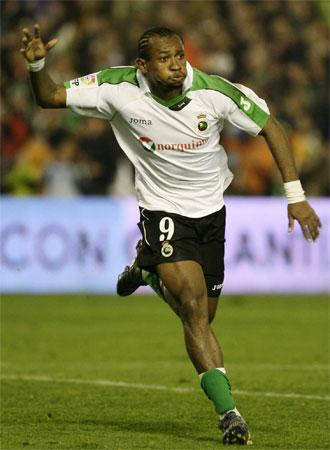 Tchité celebra un gol en el Sardinero.