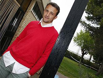 César Sánchez posa durante un reportaje para MARCA en 2008
