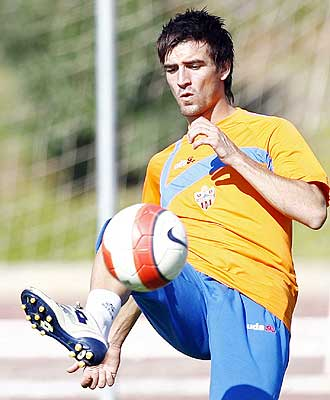 Natalio, durante un entrenamiento con el Almería