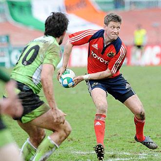 Ronan O'Gara transmite el oval durante el Montauban-Munster del pasado fin de semana
