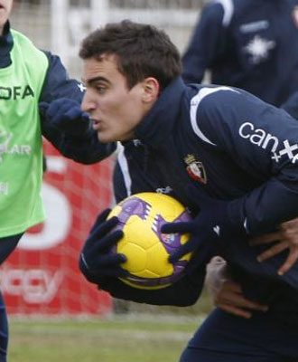 Jokin Esparza durante un entrenamiento con Osasuna.