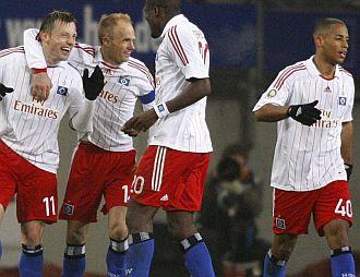 Jugadores del Hamburgo celebran un gol en un partido reciente