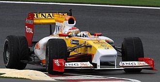 Alonso a los mandos de su R29