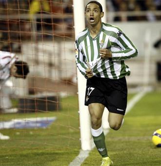 Oliveira celebra su tanto en el Pizju�n