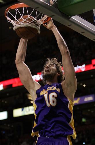 Gasol redonde� la semana estelar de los Lakers
