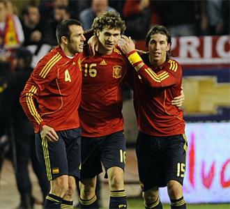 Fernando Llorente celebr� su primer gol con Espa�a.