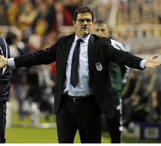 Fabio Capello con Inglaterra en Sevilla.