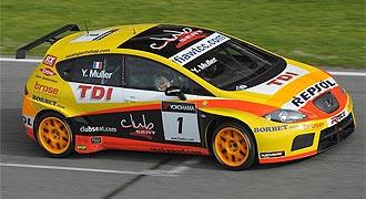 Yvan Muller, actual campe�n mundial de turismos, pilota su Seat Le�n TDi durante la pretemporada.