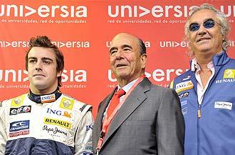 Fernando Alonso, Emilio Bot�n y Flavio Briatore durante un acto organizado por Universia.