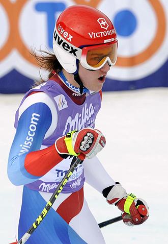 Fabienne Suter celebrando una victoria