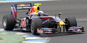 Sebastian Vettel pilota su Red Bull en la primera jornada de los entrenamientos de Jerez.