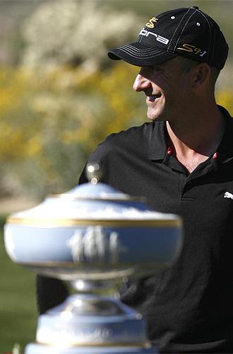 Ogilvy con el trofeo de campe�n