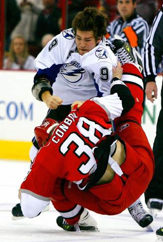 Steve Downie, en una pelea