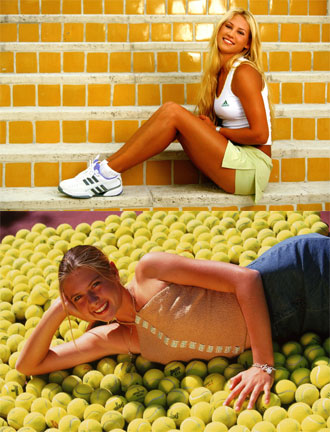 Mar�a Sharapova y Anna Kournikova en dos compromisos publicitarios.