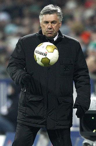 Carlo Ancelotti, durante un partido del Milan esta temporada.