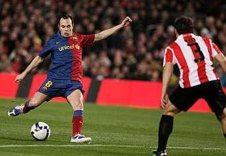 Iniesta reapareci� ante el Athletic de Bilbao