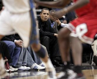 Barak Obama, en un partido de la NBA