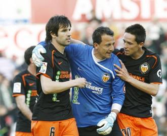 C�sar separ� a Albelda y a Albiol tras el partido.