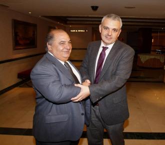 Jos� Luis Esca�uela (d) junto a Pedro Mu�oz (i).