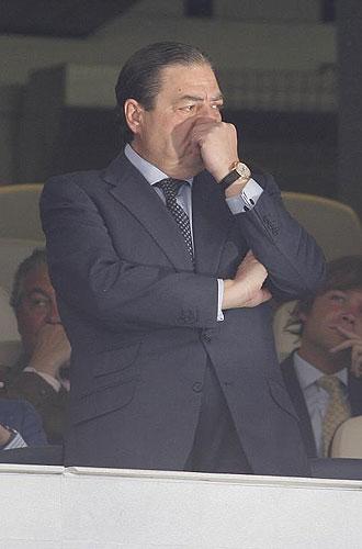 Vicente Boluda, en el palco del Santiago Bernab�u.