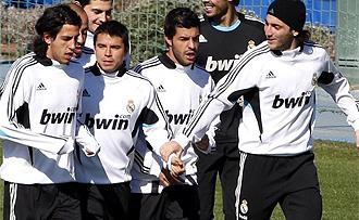 Saviola, Parejo, Miguel Torres e Higuain, durante un entrenamiento del Real Madrid