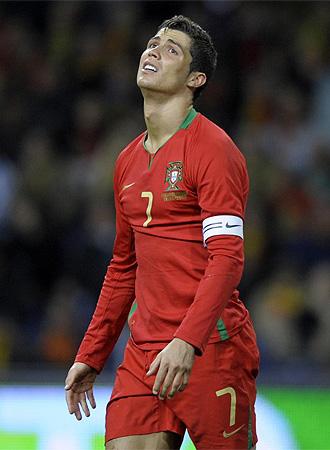 Cristiano se lamenta frente a Suecia.
