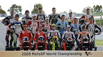 Los pilotos de MotoGP se hicieron la foto oficial de la temporada
